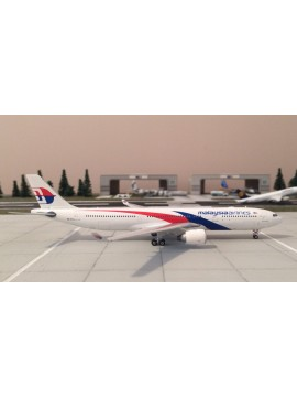 PHOENIX 1:400 MALAYSIA AIRLINES AIRBUS 330-300